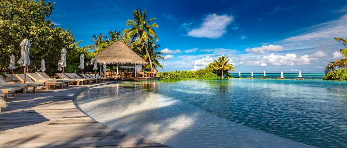 Lux* South Ari Atoll - Romantic Pool Water Villa