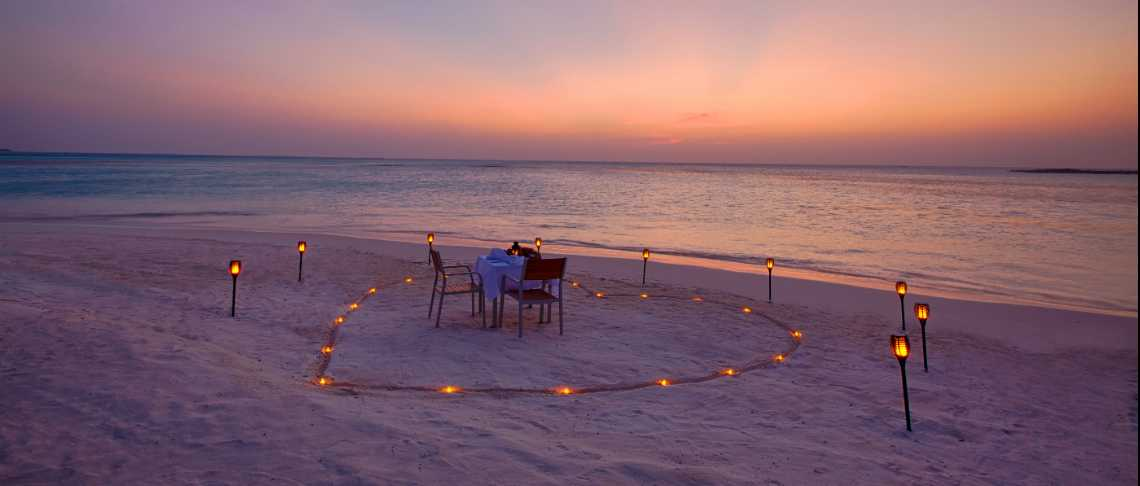 Innahura Maldives Resort - Beach Dinner