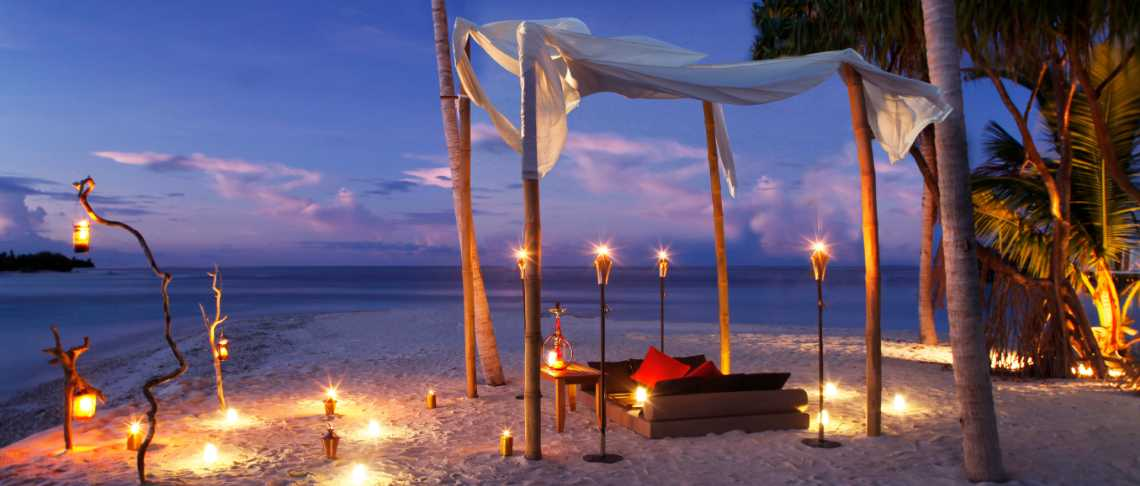 The Residence Maldives  - Beach Dinner